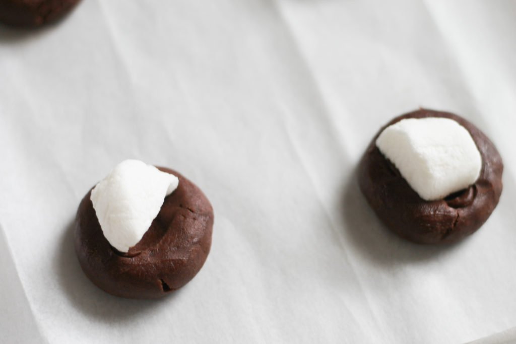 Cookie dough balls with marshmallows